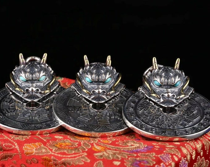 Traditional Taoism pendant of exorcism and good fortune. Double-sided dragon. Silver 925, Agate called nan hong and turquoise.