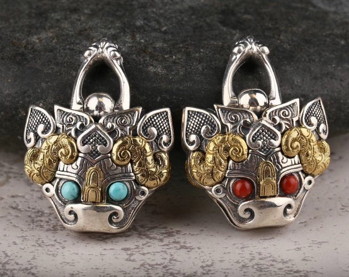 """pendant, Taoist protective amulet, bell """"ghost hunt"""" in the shape of Taotie Silver 925 copper Turquoise Arizona agate """"nan hong"""""""