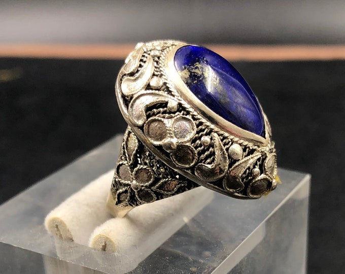 traditional ring, Pekinoise jewelry. Lapis lazuli . Silver 925. completely handmade, unique piece