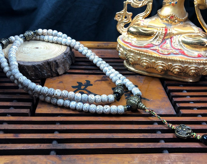 mala, Buddhist rosary 108 sacred fig seeds (pipal), bronze with high copper content.