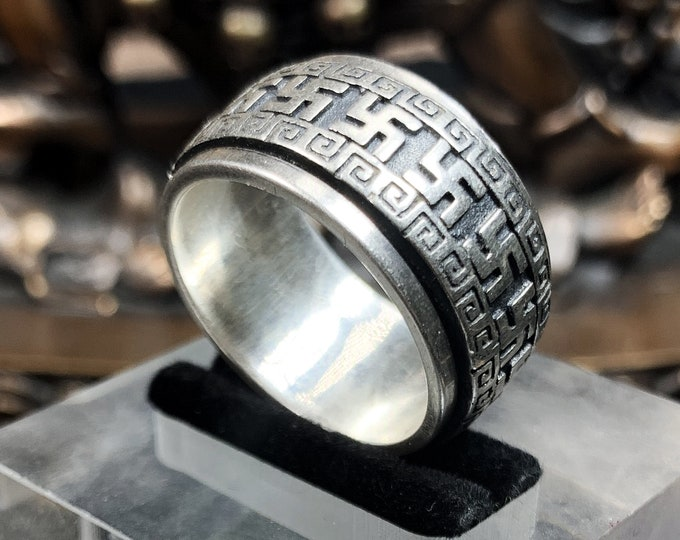 Buddhist ring, Hindu ring, 925 silver swastika ring. symbol of eternity, or universal symbol. Silver weight of 17 grams