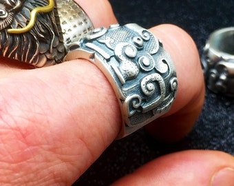 Silver feng shui protective ring 925/ 1000th tao dragon.