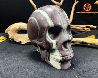 Large crystal skull. Jasper skull. Natural jasper. Death tete, carved entirely by hand. Crystal skull.