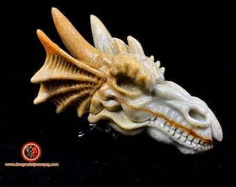 dragon crane, pyrophyllite. Hand-carved dragon, Unique Piece. very realistic dragon skull. Natural stone, Pierre de Soushan.