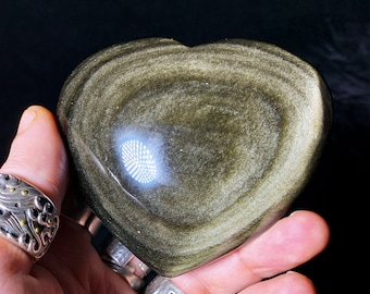 heart in golden obsidian.  Originally from Mexico.  Quality A-Size 78/87/38mm weight of 0.279kg