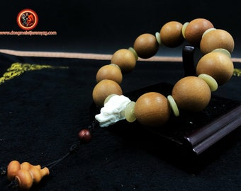big bracelet dragon sandalwood (fragrant), buffalo bone finishing beads in red sandalwood