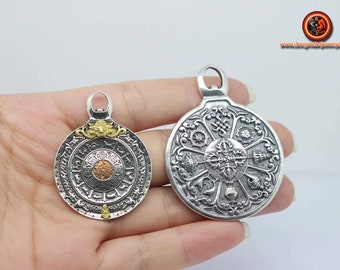 Buddhist amulet, Tibetan protection. Wheel of Buddhist life. 8 auspidy signs of Buddhism Silver 925 and Copper.