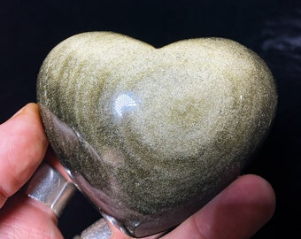 heart in golden obsidian.  Originally from Mexico.  Quality A-Size 79/87/45mm weight of 0.314kg