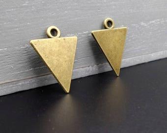 4 pendants/charms shaped triangle brass 2.2 x 1.8 cm