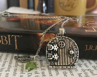 Hobbit Hole Necklace, The Hobbit Necklace, Lord of the Rings, JRR Tolkien, Middle Earth, Bookworm, Charm Necklace, Bookish, Book Lover