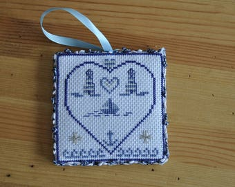 embroidered wall hanging 'heart sailor'