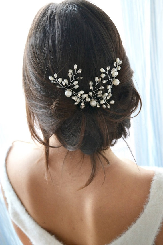 White bridal headband. Hair comb pearls and crystals pin  70fa5b1eb67