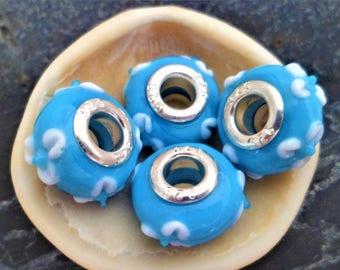 2 Eurpeennes blue flowers 15 mm white Lampwork Glass Beads