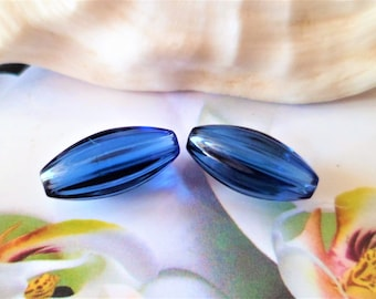 2 pearls glass blue Royal Striees 16 x 8 mm
