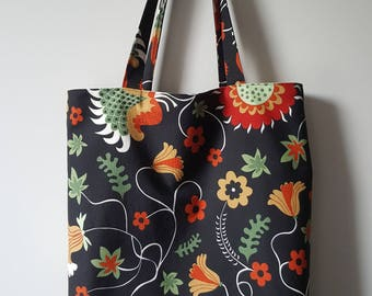 Large boxed lined tote bag