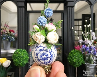 Miniature Flower Arrangement - blue and white ceramic vase - chinoiserie hamptons style - Dollhouse - Diorama - 1:12 scale