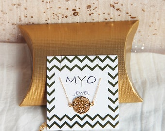 Carved coin bracelet plated yellow gold and pink, gift idea for woman, jewelry, minimalist, thin, delicate by Myo jewel
