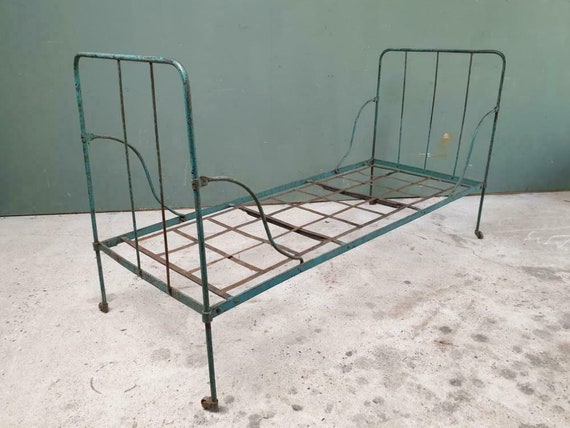 Remarkable Antique Wrought Iron Bed Antique Garden Bench Lounge Bench Ocoug Best Dining Table And Chair Ideas Images Ocougorg