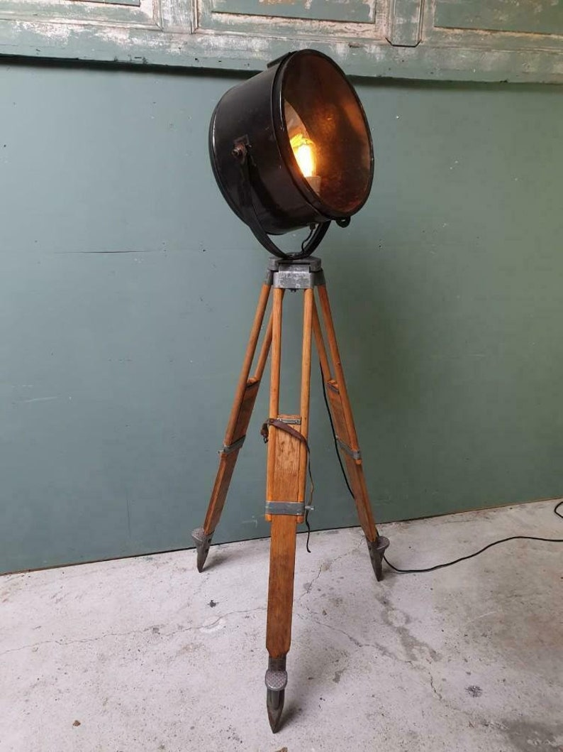 reputable site 9a929 ebe23 Industrial tripod lamp from Russia
