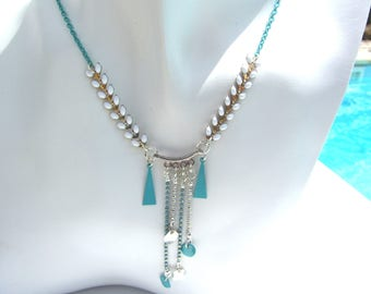 Kit Mariola Blue Lagoon and white necklace