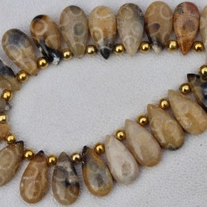 20 piece smooth Agate briolette beads 8 x 17 mm Approx