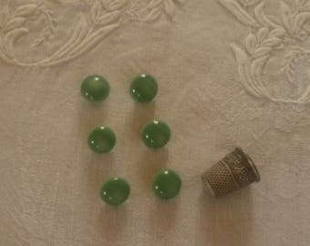 6 buttons round / green color