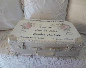 Restored and revamped vintage suitcase / hand painted décor / antique suitcase / vintage French / vintage trunk
