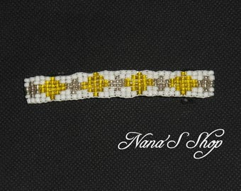 hair clip, in woven, white and yellow beads