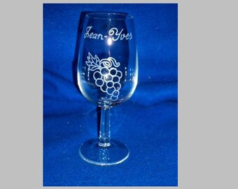 Glass wine tasting, inao engraved wine, Inscriptions and design choice
