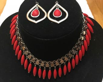 Red necklace. Red statement necklace with earrings. Red choker beaded statement necklace with matching earrings