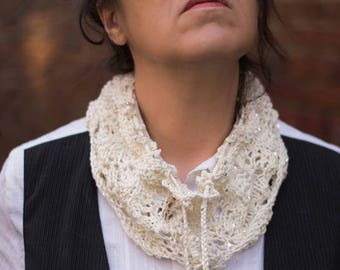 Collar Snood hand knit white glitter