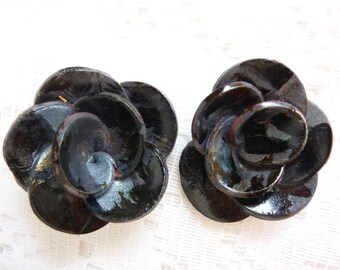 FLOWER JEWELRY, RINGS, DECO DESIGN. . BLACK AND SILVER