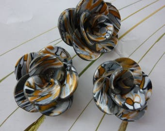 HARMONY POLYMER CLAY FLOWERS GOLD AND SILVER.