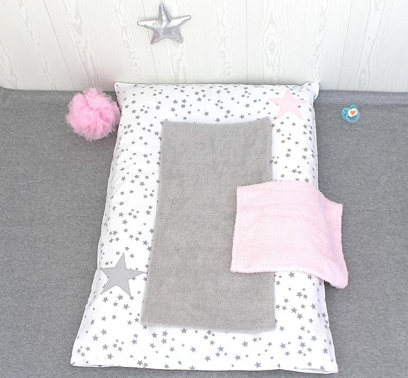 Housse à langer blanche à étoiles grises - Créatrice ESTY : PetitLionForBaby