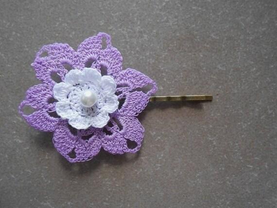 pince fleur au crochet barrette fleur violete au crochet etsy. Black Bedroom Furniture Sets. Home Design Ideas
