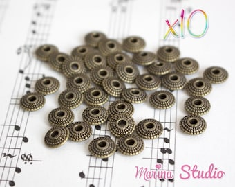 10 bronze 8x8mm N23913 engraved saucer beads