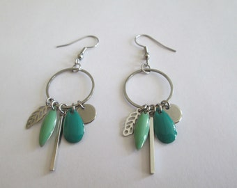 Silver steel earring - closed ring - steel charm - mint green and emerald green sequins