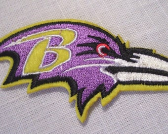 Bird of prey Eagle head Royal purple - patch embroidered patch Thermo * 5 x 10 cm *.