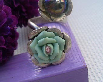 Green, iridescent silver ring
