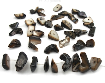 30 Brown mother of Pearl natural shell beads