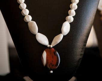 Howlite and Agate Necklace
