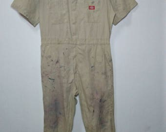 4ee79b27a35 DICKIES Vintage Clothing Coveralls Work Wear Beige Color With Nice Natural  Paint Splatter Grease Stains Short Sleeve Full-Zipper Overalls