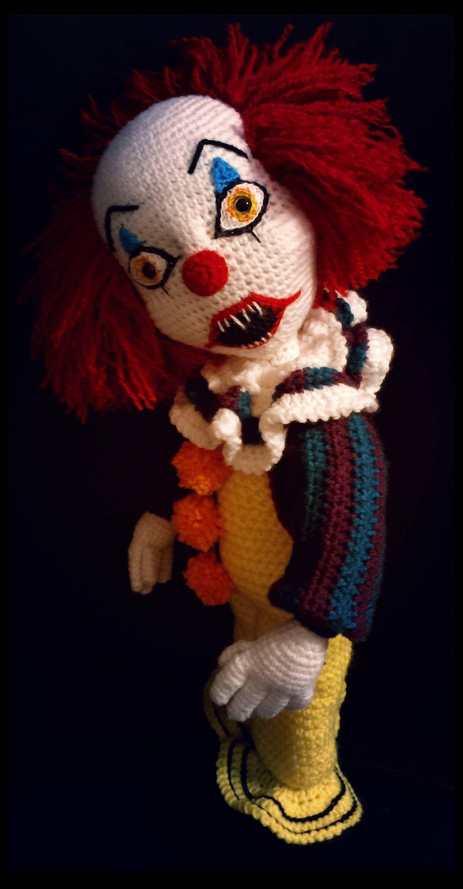Gruselige Clown Häkelanleitung