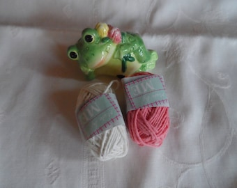 2 ball of cotton 100% for crochet, canvas, bracelet, mini pink and white