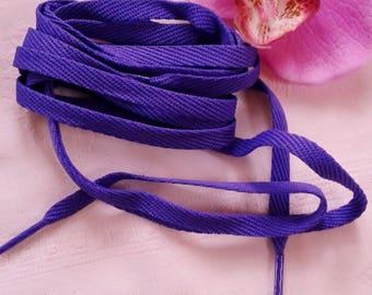 flat purple lace purple polyester plastic tip plastic long 1.30 m