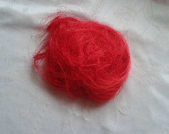 sisal a ball of Red material for deco floral weight 16 grams