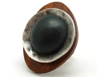 Bague ethnique en bois marron et bois d'ébène noir métal argent GALET réglable ajustable
