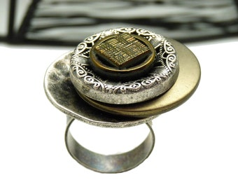 Bague argent métal vieilli, résine et verre kaki DELECTA réglable ajustable
