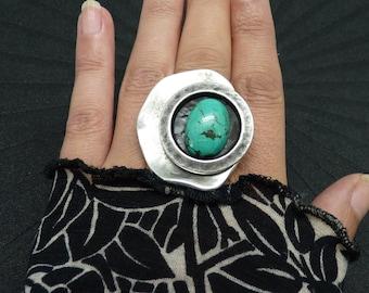 Grosse Bague argent pierre Turquoise décalée graphique minimale GRECCA  pièce unique réglable ajustable Best seller