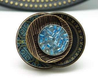 Bague en bois décalée imprimé papier bleu résine métal bronze et verre bohème romantique NEÏS réglable ajustable